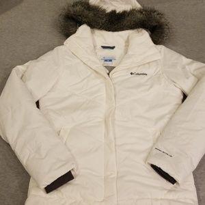 Columbia white puffer coat sz M